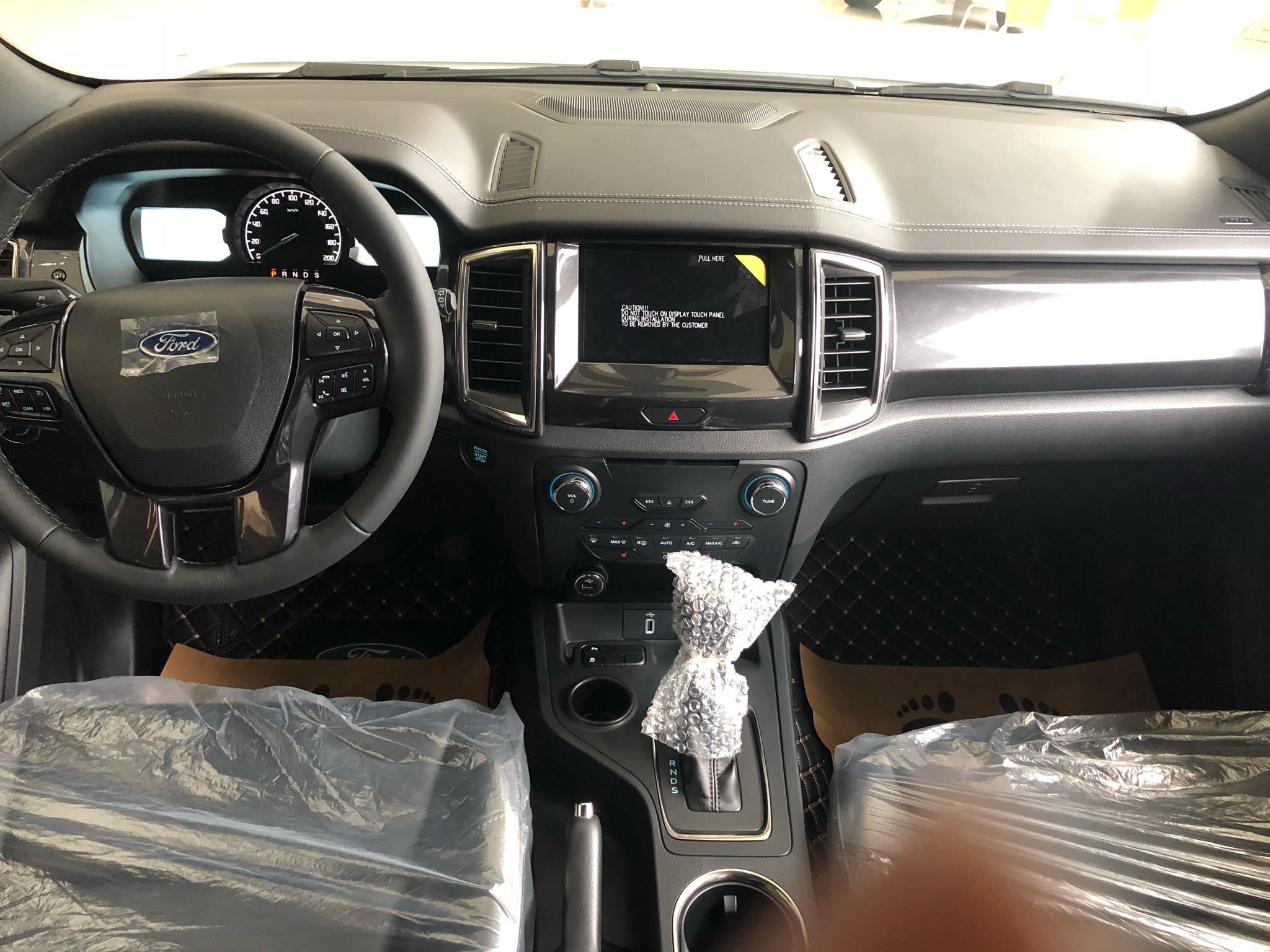 Ford Everest Titanium 2.0L AT 4×2 Turbo6
